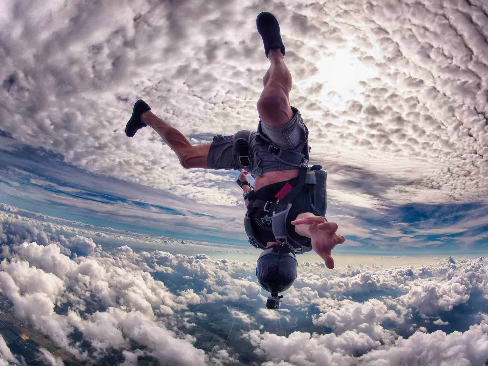 learn skydiving south france trip