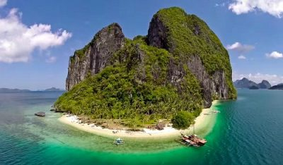 Philippines – A Sail boat & The Most Beautiful Secret Islands on Earth