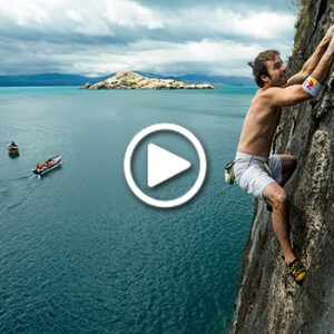 WATCH: Climbing Without Ropes With Only The Sea To Catch You!