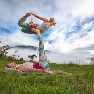 Learn AcroYoga In the Meadows Of Gulmarg